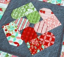 Heart Quilt Pattern, Patchwork Quilt Patterns, Quilt Block Patterns, Pattern Blocks, Quilt Blocks, Sewing Patterns, Patchwork Tutorial, Patchwork Ideas, Heart Patterns