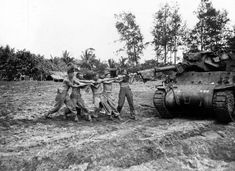 M10 Wolverine 32nd Infantry Division 632nd Tank Destroyer Battalion At Aitape