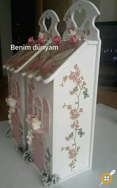ahşap boyama ekmeklik modelleri Decorative Bird Houses, Decorative Boxes, Tole Painting, Painting On Wood, Easy Crafts, Diy And Crafts, Cardboard Letters, Box Houses, Altered Boxes