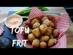Tofu Frit, Fromage Vegan, Diet And Nutrition, Health Diet, Pretzel Bites, Plant Based, Vegan Recipes, Potatoes, Vegetarian