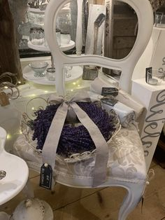 Les michous Table Decorations, Furniture, Home Decor, Decoration Home, Room Decor, Home Furnishings, Arredamento, Dinner Table Decorations, Interior Decorating