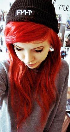 I could never pull off this color red, but it's stunning. Love it!