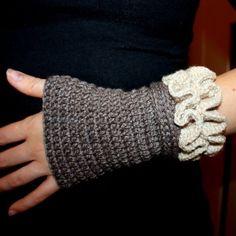Crochet PATTERN pdf file Ruffled Arm Warmers by monpetitviolon