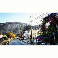 I LOVE THIS PIC! #santorini #island #kamari #greece #grecia #flowers #fatheranddaughter #greatshot #travel #rock Santorini Island, Great Shots, Love Pictures, Greece, Street View, Rock, Instagram Posts, Flowers, Travel