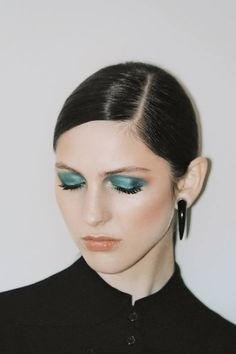 LE FASHION BLOG AND OTHER STORIES FW 2013 LOOKBOOK METALLIC GREEN EYESHADOW HORN EARRING photo LEFASHIONBLOGANDOTHERSTORIESFW2013LOOKBOOKMET...