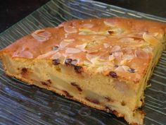 Extra-Moist Pears, Almonds and Chocolate Chip Cake - Pralinettes Almond Flour Cakes, Cake Flour, Pear And Chocolate Cake, Easy Desserts, Granola, Brunch, Food And Drink, Cooking Recipes, Treats