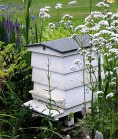 how to build a beehive house