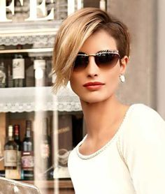 Asymmetrical Pixie Trendy Hair 💇 homedecor home holiday diy decor dresses desserts winter fashion women makeup trendy christmas hairstyles hair haare frisuren 💇 Hairstyles For Fat Faces, Long Pixie Hairstyles, Short Pixie Haircuts, Short Hair Cuts, Short Hair Styles, Cut Hairstyles, Party Hairstyles, Long Pixie Cut With Bangs, Long Pixie Bob