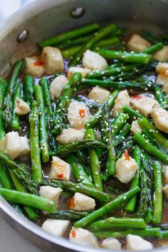 Chicken and Asparagus - healthy asparagus chicken stir-fry with a savory brown sauce and sweet chili sauce. Dinner is ready in 15 mins   rasamalaysia.com