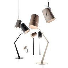 Diesel with Foscarini Fork vloerlamp is een trendy vloerlamp voor naast de bank, of in de hoek van een kamer. De opvallende stiksels maken dat deze vloerlamp knipoogt naar de fashion. De kap kan in alle gewenste richtingen gezet worden.