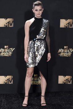 """La """"red carpet"""" de los premios MTV Movie Awards 2017 celebrados en Los Ángeles nos ha dejado looks de los más inesperados."""