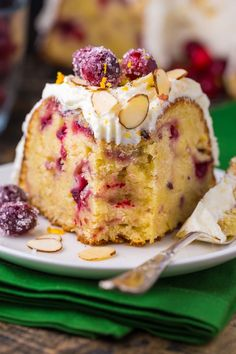 Bunt Cakes, Cupcake Cakes, Cupcakes, Holiday Baking, Christmas Baking, Christmas Christmas, Just Desserts, Delicious Desserts, Cake Recipes