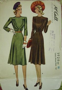 McCall 3926: Ladies' and misses' dress
