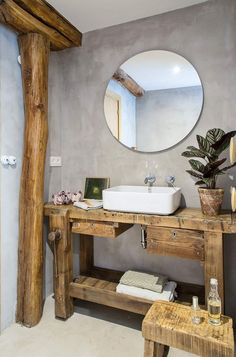 Useful Walk-in Shower Design Ideas For Smaller Bathrooms – Home Dcorz Relaxing Bathroom, Natural Bathroom, Modern Bathroom, Small Bathroom, Bathroom Ideas, Walk In Shower, Shower Doors, Spanish Apartment, Open Showers