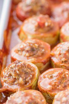 preparare dovlecei umpluti Carne, Potato Salad, Shrimp, Diy And Crafts, Good Food, Food And Drink, Meat, Ethnic Recipes, Foodies