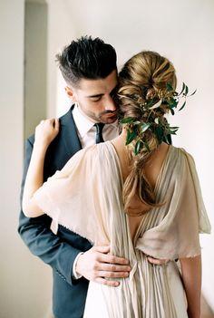 Gorgeous inspiration: http://www.stylemepretty.com/2015/05/04/part-ii-organic-minimal-wedding-inspiration/ | Photography: Megan Robinson - http://www.meganrobinsonblog.com/