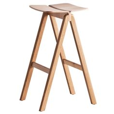 Copenhague-kalustesarjan ovat suunnitelleet Ronan ja Erwan Bouroullec. Hay pyysi Bouroullecin veljeksiä suunnittelemaan pöydät ja tuolit uudistettuun Kööpenhaminan yliopistoon.