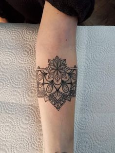 31 Of The Most Beautiful Tattoos Mandala For Inspiration Tattoos . - 31 Of The Most Beautiful Mandala Tattoos For Inspiration tattoos - Cuff Tattoo, Hand Tattoo, Armband Tattoo, Piercing Tattoo, Piercings, Sunflower Mandala Tattoo, Simple Mandala Tattoo, Mandala Tattoo Design, Elbow Tattoos