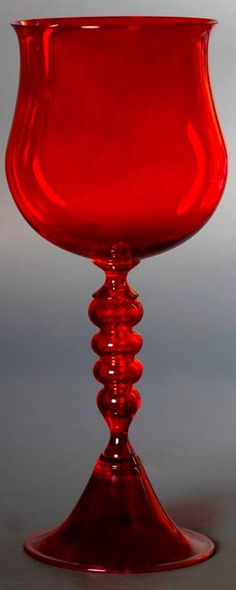 Red goblet glass - Murano www. Vidro Carnival, I See Red, Simply Red, Mabon, Red Aesthetic, Red And Grey, Black, Shades Of Red, Ruby Red