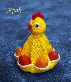 Un letto pouf e pratico Easter Crochet Patterns, Crochet Birds, Crochet Bedspread Pattern, Crochet Chicken, Chicken Crafts, Crochet Towel, Crochet Kitchen, Easter Crafts, Baby Knitting