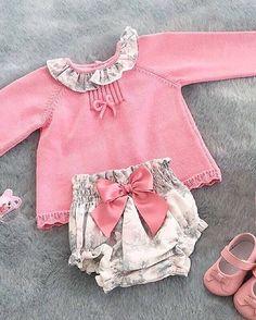 Siempre enamorados de esta maravilla de la firma DULCES de @elcorteingles, pertenece a la pasada temporada, descubre su nueva colección P/V. Preciosa publicación de @mypetitpleasures Lovely!❤️❤️•••Si te gusta déjanos un comentario, nos importa!! Gracias!! #modaespañola #modainfantil #ropaespañola #ropainfantil #hechoenespaña #madeinspain #modaespaña #kidsstyle #niñasconestilo #spain #modainfantilchic #kidsfashion #cutekidsfashion#fashionkids #baby#babygirl#sweetbaby#babyfashion #cutekidsclub