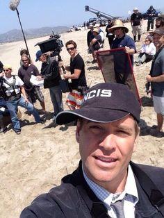 "April 22, 2014 via @M_Weatherly on Twitter ~ ""Tweet"" ... Michael Weatherly goofing around on location. :)"