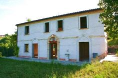 Partially restored farmhouse for sale with annex in the countryside of Camporotondo di Fiastrone in Macerata Province #properties #realestate #luxury #italy #marche