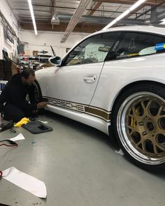 いいね!602件、コメント11件 ― @sharkwerksのInstagramアカウント: 「Everyone's favorite @snowboarder54 is having @autowerksdetailing install some GOLD on his…」