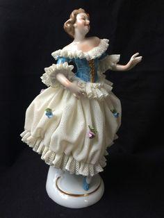 Antique porcelain Unterweissbach Figurine Dancing Lady. Marked