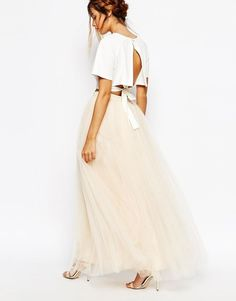 Shop the latest Little Mistress Maxi Tulle Skirt trends with ASOS! Bridesmaid Skirt And Top, Bridesmaid Dresses, Prom Dresses, Formal Dresses, Maxi Skirt Fall, Cold Shoulder Dress, Style Inspiration, Clothes, Swag Dress