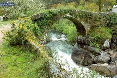 Información sobre el Puente del río Almofrei, en Cotobade, Pontevedra