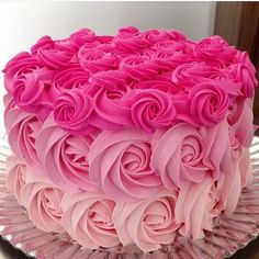 Date and nut cake - HQ Recipes Pink Birthday Cakes, Beautiful Birthday Cakes, Birthday Cakes For Women, Gorgeous Cakes, Pretty Cakes, Cute Cakes, Amazing Cakes, Meringue Cake, Buttercream Cake