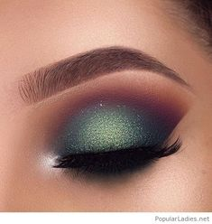 Nice green glitter eye makeup