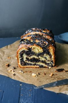 Poppy Seed and White Chocolate Babka — Meike Peters Chocolate Babka, Chocolate Roll, White Chocolate, Poppy Seed Recipes, Poppy Seed Paste Recipe, Poppy Seed Bread, Poppy Seed Cake, Sweet Recipes, Cake Recipes