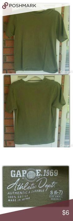 Olive green tshirt by Gap 100% cotton, size 6-7. Machine wash cold. Tumble dry low#gap#boys6 GAP Shirts & Tops Tees - Short Sleeve