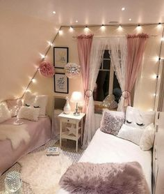 Cute Room Decor, Teen Room Decor, Paris Room Decor, Room Decor Diy For Teens, Girls Bedroom Decorating, Room Decor Bedroom Rose Gold, Beauty Room Decor, Girl Decor, Playroom Ideas