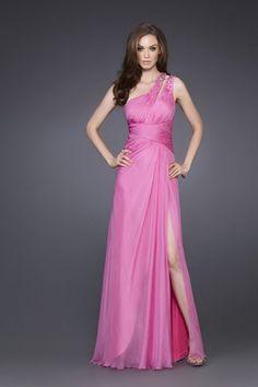 Traje de fiesta asimetrico en rosa. Cuerpo drapeado.