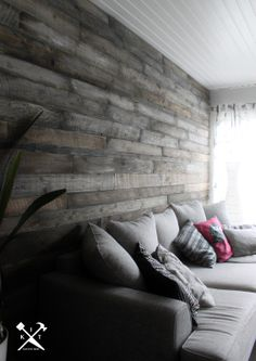 K.I.T blog : a wonderlful livingroom feature wall out of timber!
