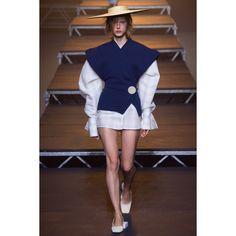 Jacquemus  #VogueRussia #readytowear #rtw #springsummer2017 #Jacquemus #VogueCollections