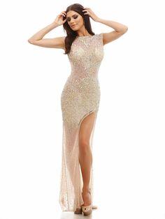 #amazing #evening #sparkling #dress / Dopasowana, wieczorowa suknia z pięknymi, mieniącymi dodatkami. Idealna dla idealnej figury :)