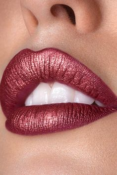 Get this must-have fall lip trend: burgundy lips. All you need is to use your favorite burgundy Color Sensational lipstick! Get this must-have fall lip trend: burgundy lips. All you need is to use your favorite burgundy Color Sensational lipstick! Burgundy Matte Lipstick, Metallic Lipstick, Brown Lipstick, Velvet Matte, Lipstick For Fair Skin, Lipstick Shades, Lavender Lipstick, Maybelline Lipstick, Mac Lipsticks