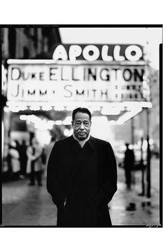 Richard Avedon: Duke Ellington in front of the Apollo theater in Harlem, April 30, 1963