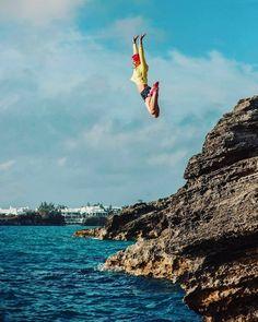 Now THIS is my kind of happy hour! How did you spend yours?  #bermuda #gotobermuda #ahhbermuda #wearebermuda #friday #happyhour #latepost #cliffjumping #dosportlive #do #besetfree #myhappyplace #fun #fitness #paradise #health #love #loveit #girlsjustwannahavefun #travel #wanderlust #missyou #wishyouwerehere  Photo creds: Svitlana Bull by natty_d_bermuda