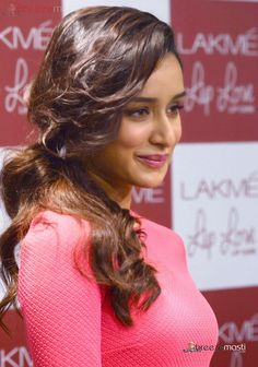 Shraddha Kapoor cute photos in red frock 4