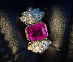 Pretty in pink, this 2.37ct unheated Burmese pink sapphire ring has cute diamond wings with tiny lavender pearl accents. Sure does make the heart flutter. #joganibh . . . #sapphire #burmese #noheat #untreated #burma #pinksapphire #emeraldcut #platinum #antiquejewelry #vintagejewelry #love #want #prettyinpink #pearl #diamond #sapphires #diamonds #vintage #antiquejewelryaddiction #antiquejewellery #burmesesapphire #showmeyourrings #instagems #instajewelry