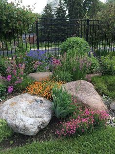 Easy Ideas for Landscaping with Rocks Working in rocks into your garden and beds is a beautiful way to add texture. Use our easy tips for landscaping with rocks and boulders that you will love. Landscaping Supplies, Landscaping Tips, Front Yard Landscaping, Landscaping Software, Luxury Landscaping, Natural Landscaping, Landscaping Contractors, Landscaping Company, Superior Landscaping