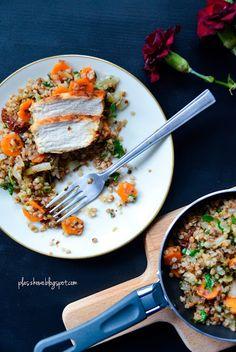 grillowany kurczak na kaszy gryczanej z marchewką i suszonymi pomidorami Curry, Ethnic Recipes, Blog, Inspiration, Diet, Biblical Inspiration, Curries, Inhalation