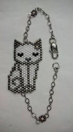 This Pin was discovered by Jud Seed Bead Jewelry, Bead Jewellery, Beaded Jewelry, Handmade Jewelry, Silver Jewelry, Diy Jewelry Projects, Jewelry Crafts, Jewelry Patterns, Beading Patterns