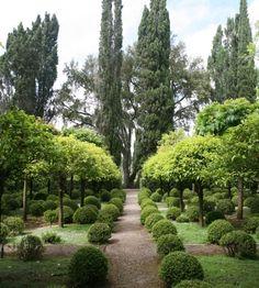 thegoodgarden.com - Russell Page's Orange Garden