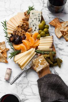 Winter Cheese Board The only cheese board you will need to get you through the cold-weather season. Filled with bold, smooth cheeses, dried fruit, honeycomb, and more. This is your game-plan to get you through this chilly season. Snacks Für Party, Appetizers For Party, Appetizer Recipes, Appetizer Ideas, Charcuterie Recipes, Charcuterie And Cheese Board, Cheese Boards, Cheese Board Display, Party Food Platters